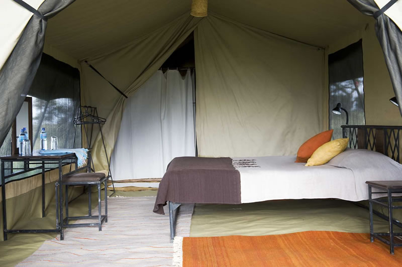 Ballooning near the C&. Tents in Solitude & Northern Tanzania African Safari | Accommodation information for ...